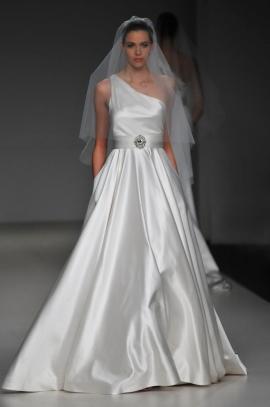 Свадебные платья дизайнера Romona Keveza
